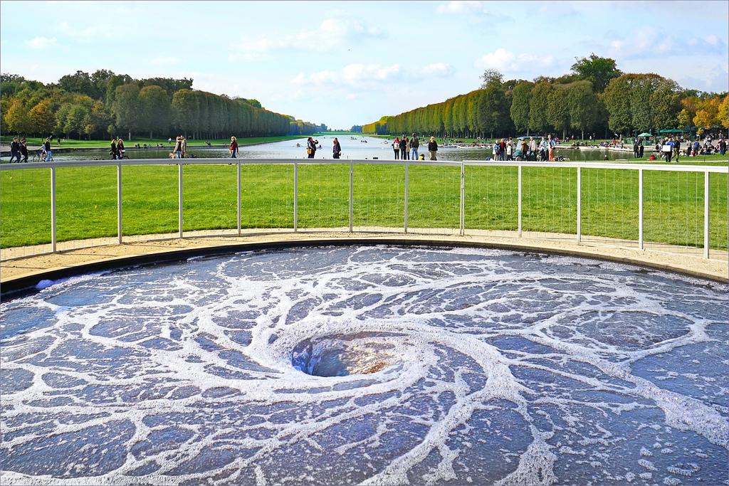 Este é o Vórtex instalado em Versailles (França) – o projeto é itinerante. Allia Gran Hotel Brasília Suites.