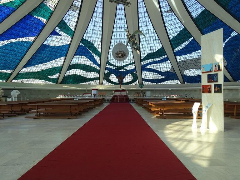 10 curiosidades da Catedral Metropolitana de Brasília